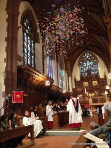 The choir, the chapel and one thousand cranes