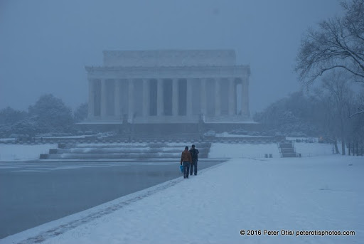 Barely anyone else by the Lincoln Memorial